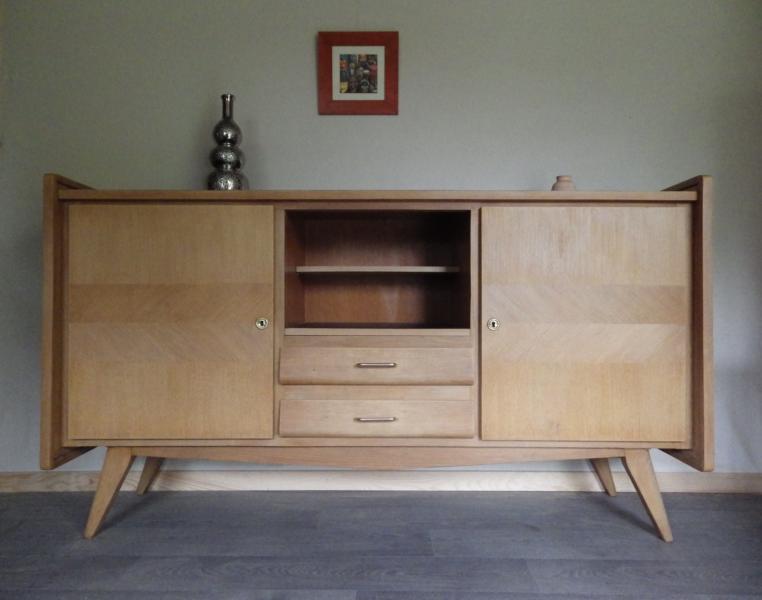 buffet enfilade pieds compas en ch ne clair retour la. Black Bedroom Furniture Sets. Home Design Ideas